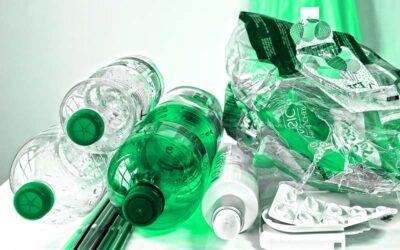 ¿Cómo afrontan las grandes empresas sus compromisos para eliminar el plástico?